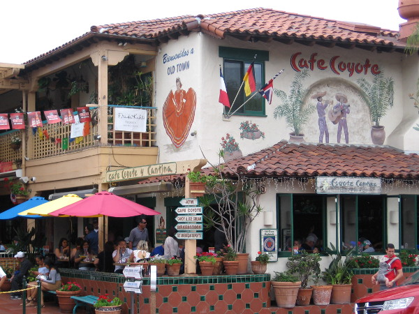 Bienvenidos a Old Town! Where great food and a festive atmosphere mingle with San Diego's rich, colorful history.