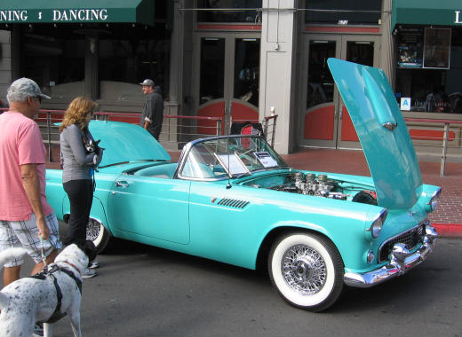 vintage car at fifth avenue auto showcase