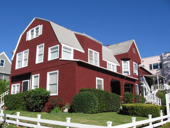 the red farm house on bankers hill