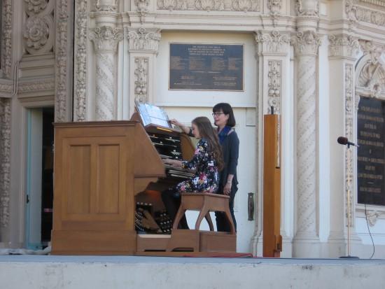 suzy webster plays at spreckels organ pavilion
