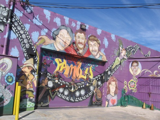 Cool Kippy's mural in Barrio Logan depicts Mariachis.