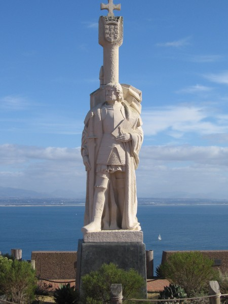 04 Statue of Juan Rodriguez Cabrillo overlooks the ocean.