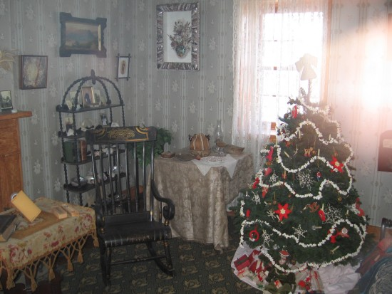 15 Recreated family room in Cabrillo lighthouse includes a Christmas tree.