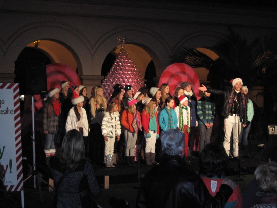 San Diego Junior Theatre kids sing Christmas carols.