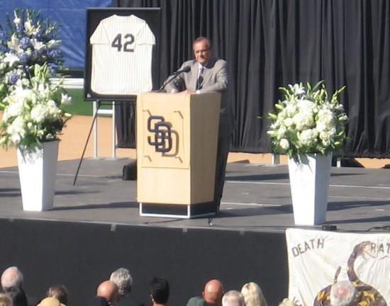 Joe Torre represents Major League Baseball at Coleman memorial.