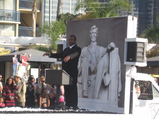 MLK impersonator relives speech at Lincoln Memorial.