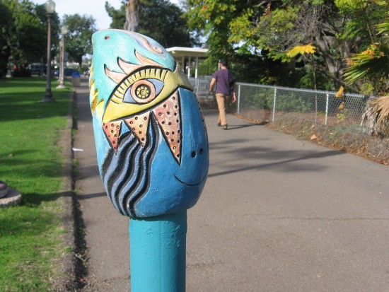 Funny face greets those exiting toward San Diego Zoo.