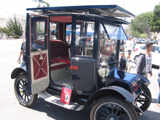 1912 Baker Electric Car fitted with solar panels!