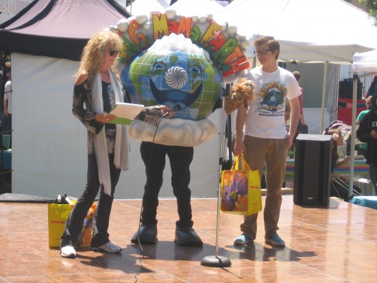 Big Mama Earth provides green lessons for kids.
