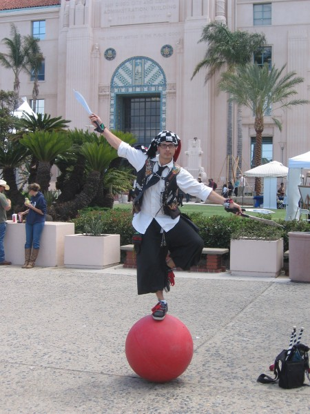 Street performer in front of County Administration Building.