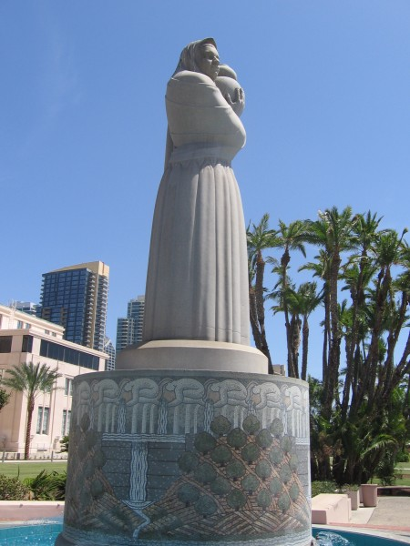 Side view of the iconic Guardian of Water.