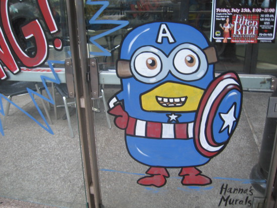 Funny Minion Captain America greets San Diego Comic-Con visitors!