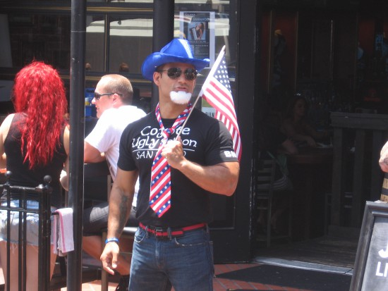 Uncle Sam invites passersby into a Gaslamp bar.