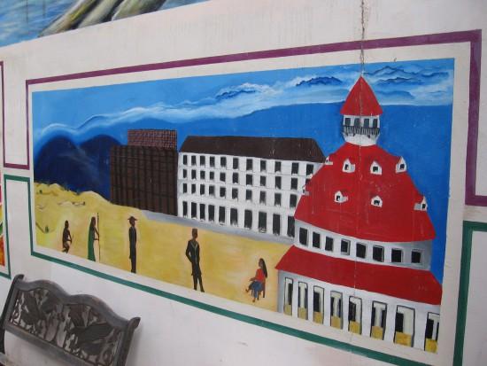 Hotel del Coronado, buildings and beach scene.