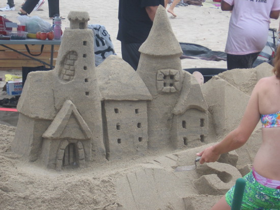 I like how quaint this sandcastle appears!