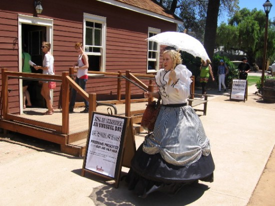 Old Town event included the historic Mason Street School.
