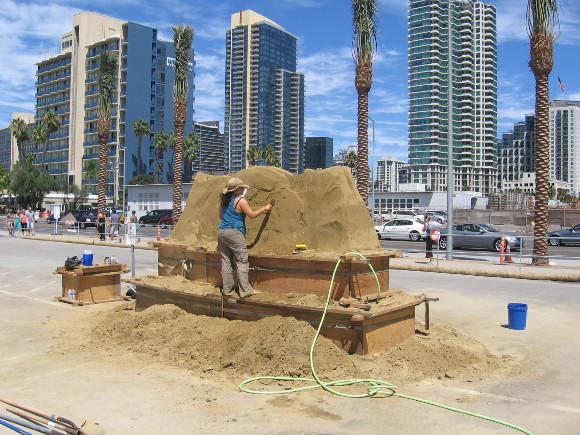 2014 US Sand Sculpting Challenge to be held downtown Labor Day weekend.