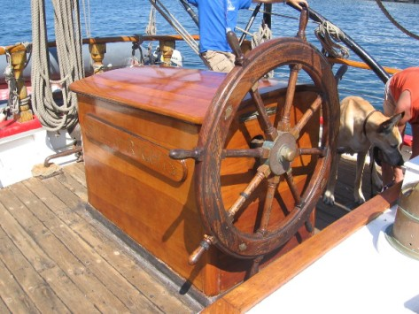 A big old ship's wheel gives me a hankering for adventure on the high seas.