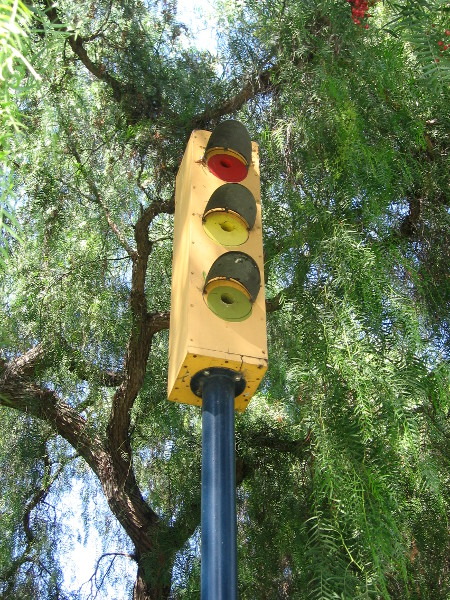 Birds might choose to live in this traffic light.