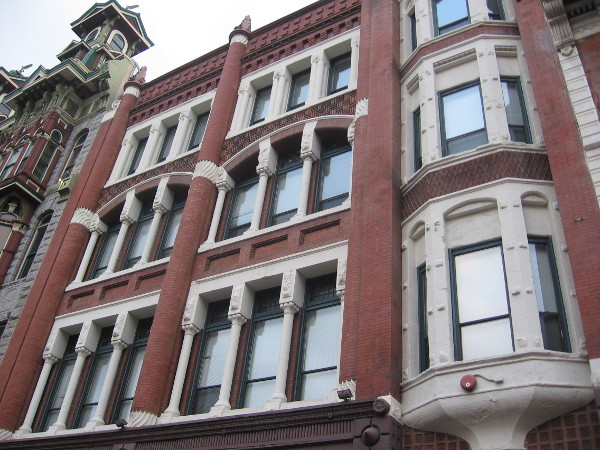 Nesmith-Greeley Building had office of first woman attorney in California Bar Association.