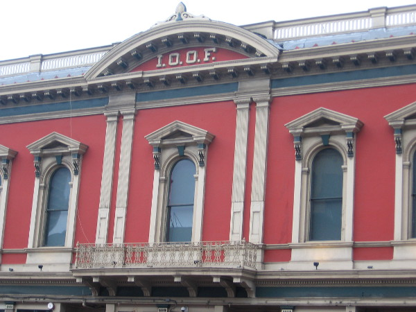 Closer view of the Classical Revival style I.O.O.F. building in the Gaslamp Quarter.