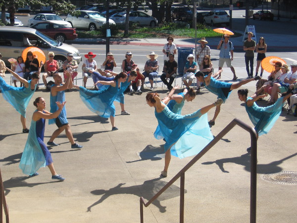 Beautiful dance delights a host of San Diegans.
