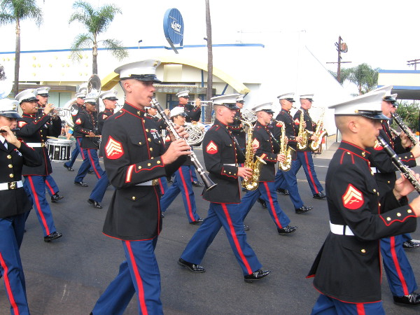 Marine Corps marching band gets things rolling near start of parade.