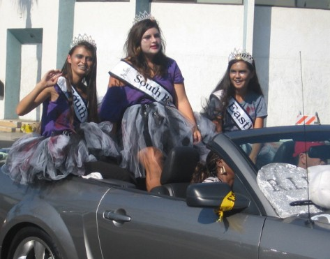I suppose these young ladies are the queens of Zombieland!