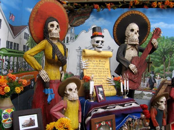 Día de los Muertos display with a strong Mexican flavor.