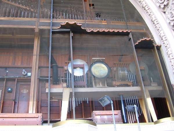 Mechanical instruments now visible include cymbals, gong and snare drum.
