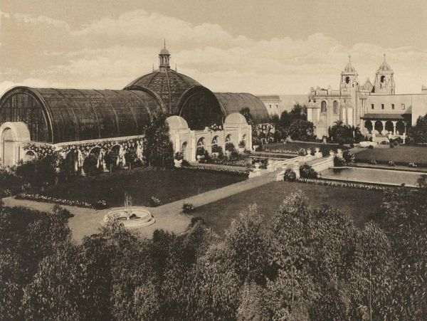The Botanical Building, then and now one of the largest lath structures in the world. In 1915 its popular name was Lath Palace.