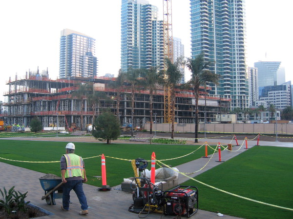 New hotel being built next to Lanefield Park on San Diego's Embarcadero.