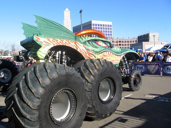 Cool Peek At Monster Jam S Party In The Pits Cool San Diego Sights