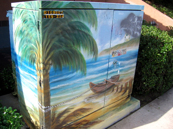 Soft and peaceful beach image on this Imperial Beach utility box.