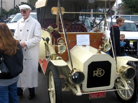1910 REO Model D Touring car has a very classic look.