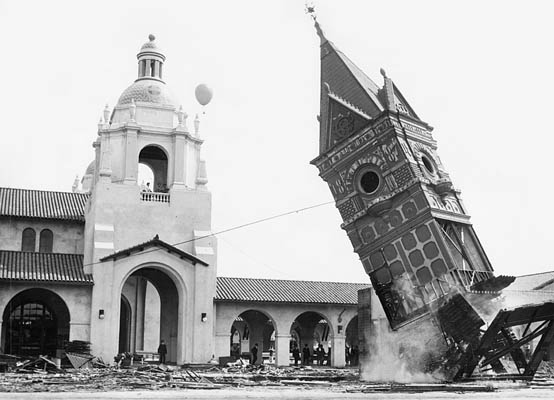Photo of the old depot tower being demolished in 1915.