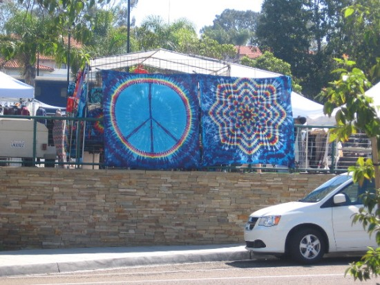 Cool sights as I walked included this big peace sign and tie dye design.
