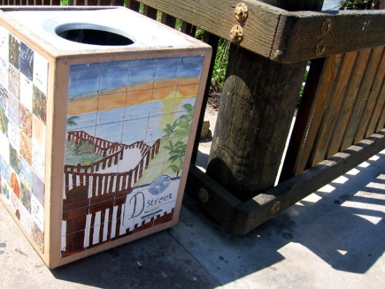 Tile art on trash can depicts the D Street Viewpoint.