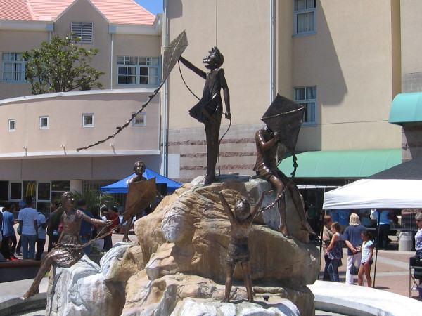 Inspiration Fountain in front of the pediatric hospital shows children flying kites.