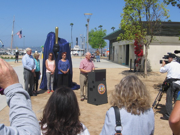 San Diego County Supervisor Ron Roberts introduces those responsible for some great new public art.