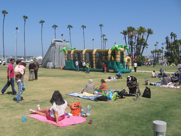 Families just chill and have fun in the San Diego sunshine.