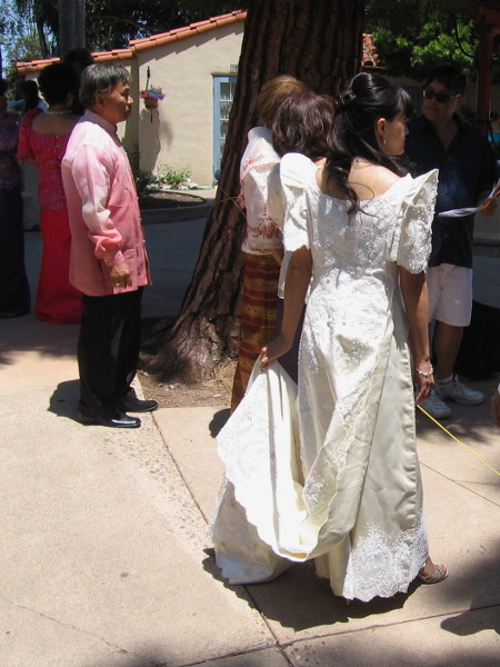 Beautiful costumes and dresses were being worn by many at the festival.