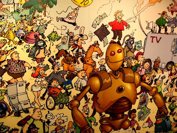 Check this out! The mural by Sergio Aragones, of Groo the Wanderer fame, contains hundreds of characters romping about San Diego during Comic-Con!