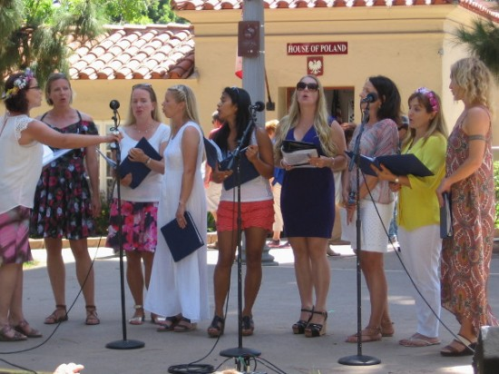 Beautiful singing was heard from the stage at the International Cottages, as the House of Sweden also provided musical entertainment during Make Music Day!