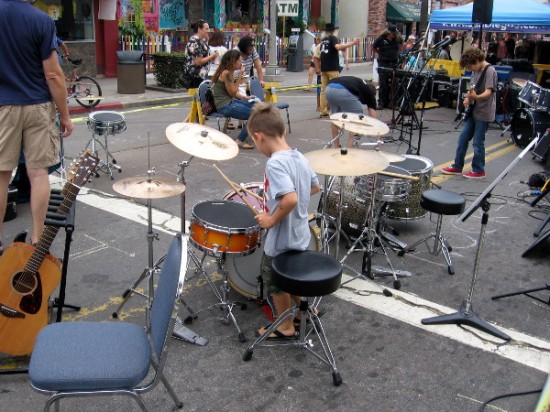 Rock and Roll San Diego was teaching kids how to play drums, electric guitar and more!