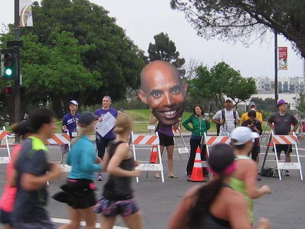 Someone is holding up a big Meb face!