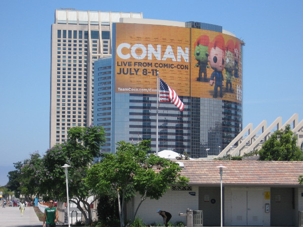 The huge Conan Live from Comic-Con wrap on the Marriott Marquis is nearly finished.