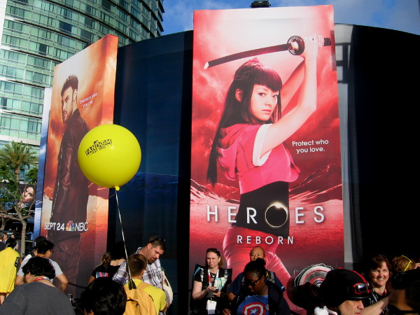 Heroes Reborn venue had huge images of the powerful characters around the black structure.