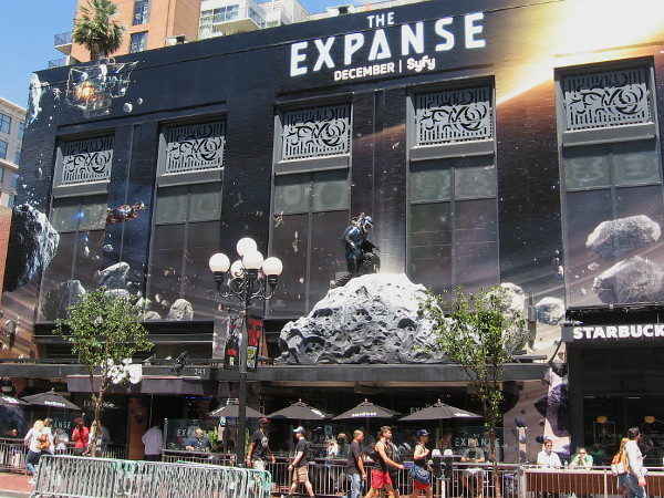The cosmic wrap and astronaut figure on the Hard Rock Hotel building advertises The Expanse, coming soon on SyFy.