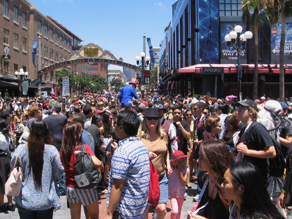 Hundreds of thousands jam downtown San Diego for 2015 Comic-Con. It's just plain nuts.